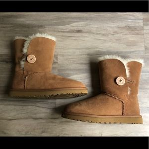 UGG Button Bailey Boots